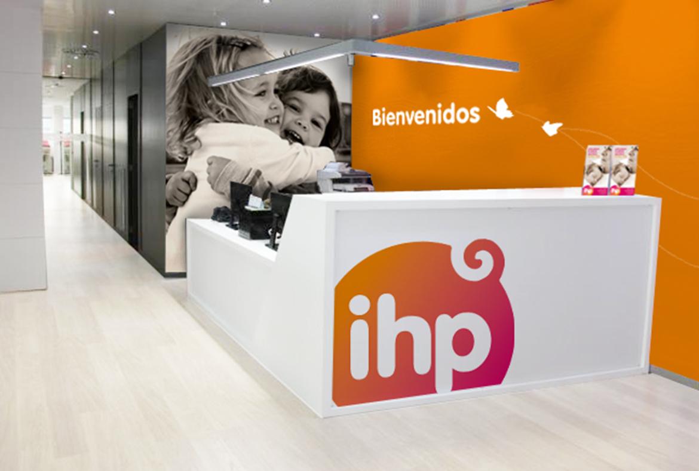 Diseño gráfico de marca. Logotipo de IHP y manual de identidad corporativa.
